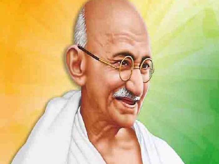 महात्मा गांधी की 73 वीं पुण्यतिथि पर राष्ट्रपति ने किया नमन, इन दिग्गजों ने दी श्रद्धांजलि