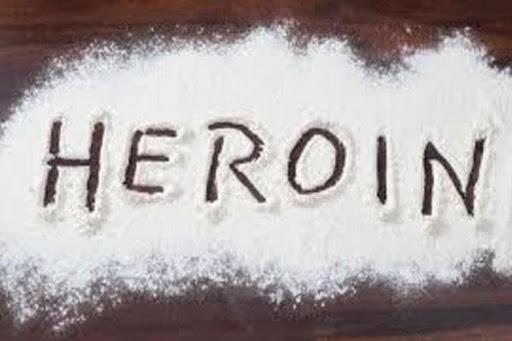 फिरोजपुर पुलिस ने पकड़ी 10 करोड़ की हेरोइन, पाक से मंगाते थे नशा