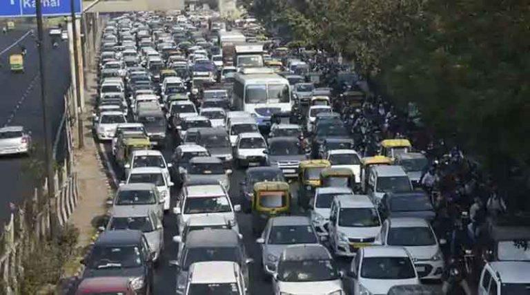 मंगलवार को भी जाम से दिल्ली हुई बेहाल, आज बंद हैं दिल्ली के ये रास्ते, जानें कहां लगा है भारी जाम