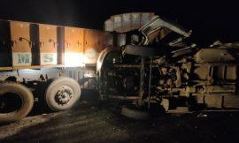 आंध्र प्रदेश में हुआ दिल दहला देने वाला दर्दनाक हादसा, मिनी बस और ट्रक की टक्कर में 14 की मौत
