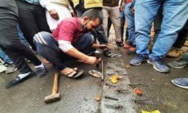 किसान आंदोलन को लेकर गाजीपुर बॉर्डर पर हुई हलचल तेज, दिल्ली पुलिस ने हटाईं नुकीली कीलें
