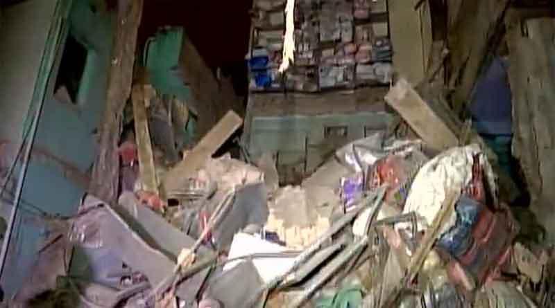 दिल्ली के सदर बाजार में भरभरा कर गिरी बिल्डिंग, मलबे में दबे कई लोग, राहत और बचाव का काम जारी