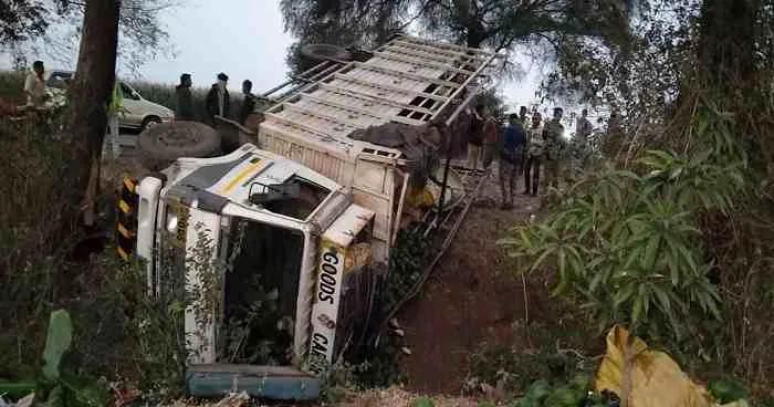महाराष्ट्र में भीषण सड़क हादसा, जलगांव में ट्रक के पलटने से 15 मजदूरों की मौत