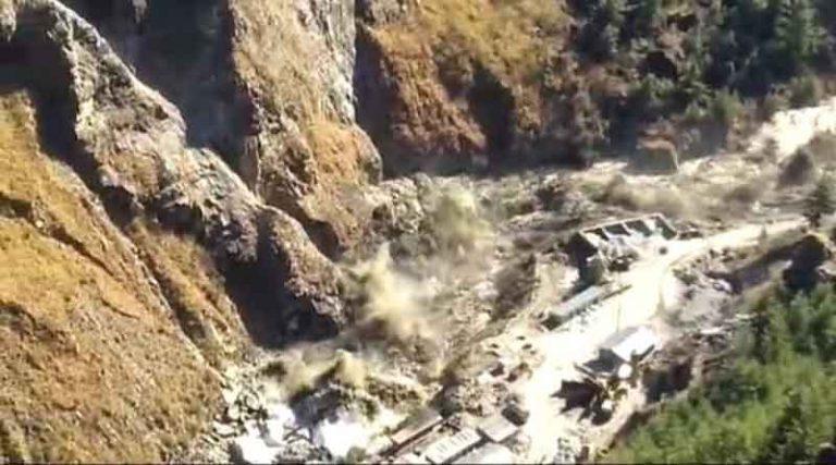 उत्तराखंड में बड़ा हादसा, ग्लेशियर टूटने से से करीब 150 कर्मचारी लापता