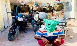 चिकन शॉप मालिक ने पकड़ा बाईक चुराकर भाग रहा चोर, पुलिस ने बरामद की दो मोटरसाइकिलें