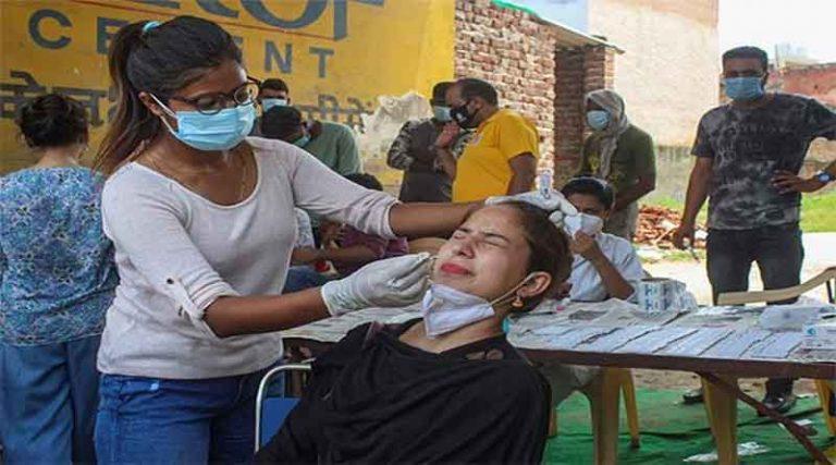 देश में फिर बढ़ा कोरोना का कहर, 24 घंटे में 24 हजार से ज्यादा नए केस, 140 मरीजों की मौत