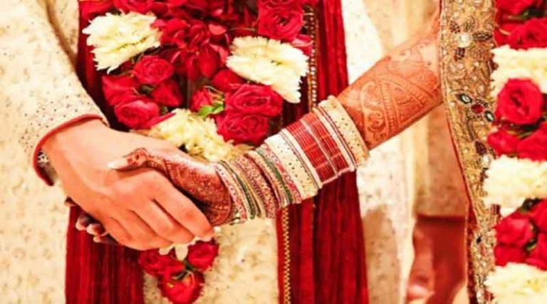 जंडियालागुरु में शादी में हाई बोल्टेज, धोखे से शादी कर रहा था प्रेमी, मंडप पर पहुंच प्रेमिका ने किया हंगामा