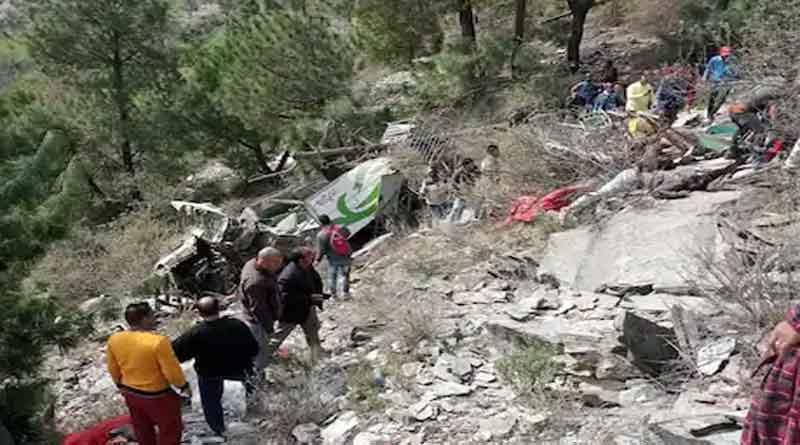 हिमाचल के चंबा भीषण सड़क हादसा, खाई में बस गिरने से आठ लोगों की मौत, कई घायल