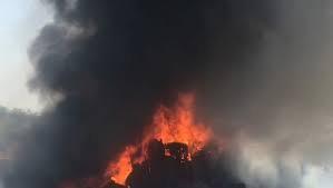 जालंधर में देर रात फैक्ट्री के अंदर टायरों से लदे ट्रक में लगी भीषण आग, घंटो की मशक्कत के बाद पाया काबू