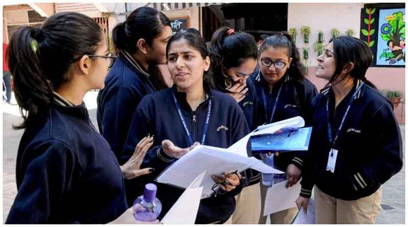 कोरोना का कहरः आईसीएसई बोर्ड ने रद्द की 10वीं की परीक्षा, 12वीं की परीक्षाएं बाद में