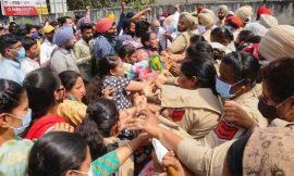 पटियाला में पुलिस ने किया बेरोजगार अध्यापकों पर लाठीचार्ज, हिरासत में ली गई कई महिलाएं, सीएम निवास का घेराव करने गए थे बेरोजगार अध्यापक