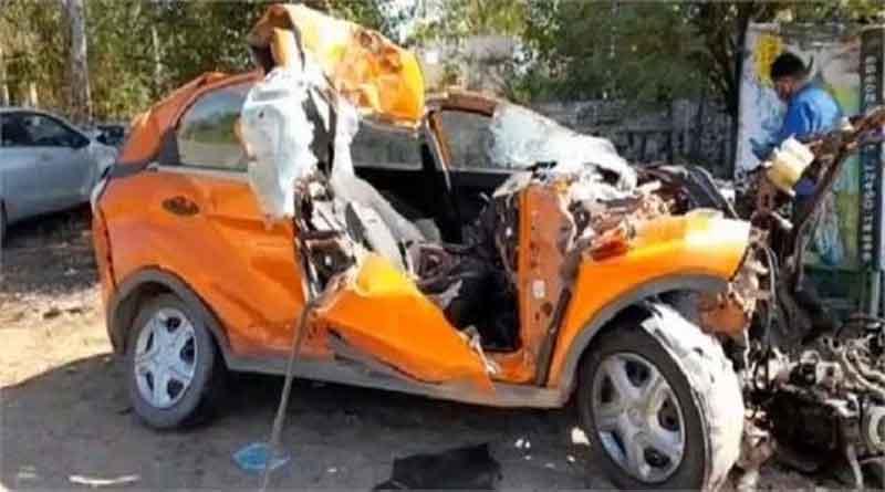 जालंधर-फगवाड़ा हाईवे पर भयानक सड़क हादसा, सरिए से भरे ट्रक से टकराई कार, दो युवकों की मौत