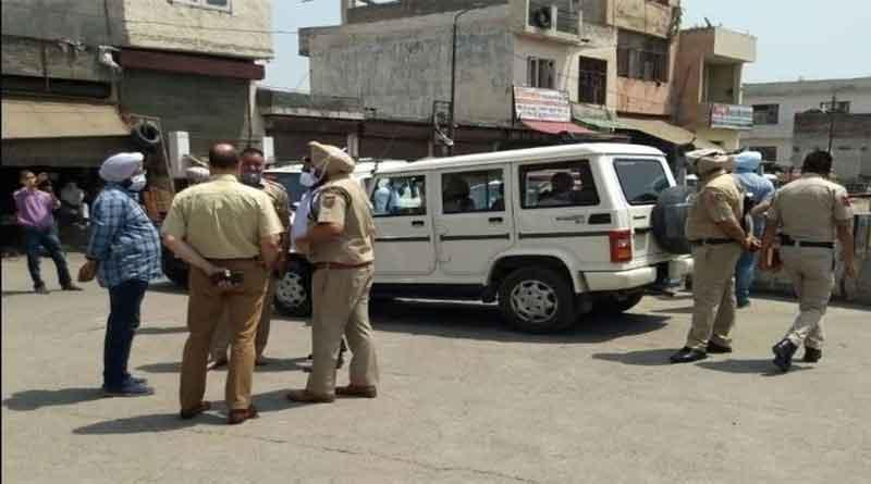 लुधियाना में युवकों ने नाके पर तैनात पुलिसकर्मियों पर हमला कर रिवाल्वर छीना, दो पुलिस कर्मी घायल, युवक फरार… पढ़ें पूरी खबर