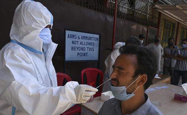 देश में कोरोना वायरस के 2.81 लाख से अधिक नए मामले, 4,106 लोगों की मौत
