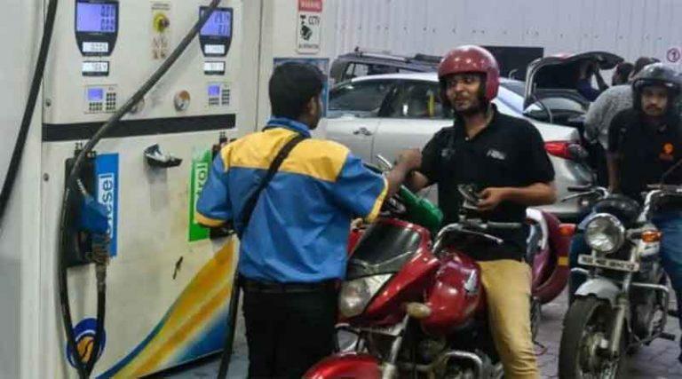 हाय महंगाईः राजस्थान में 108 रुपए लीटर पर पहुंचा पेट्रोल, डीजल 100 के पार
