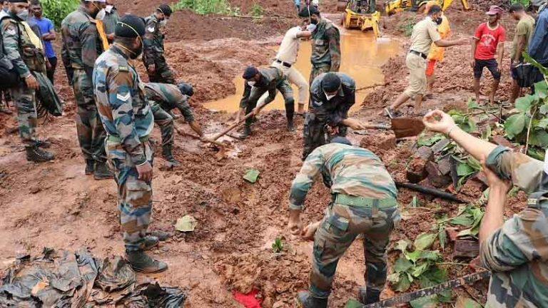 महाराष्ट्र में भयानक बारिश के कारण आई बाढ़ में 164 लोगों की मौत, 100 लोग लापता