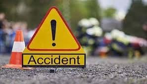 मुंबई-पुणे एक्स्प्रेस पर दर्दनाक सड़क हादसा, पति, पत्नी सहित 4 साल के बेटे की मौके पर ही मौत