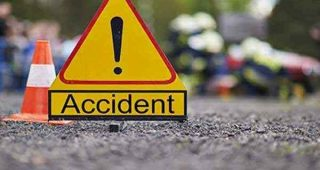 जालंधर में दर्दनाक सड़क हादसा, कार ने एक्टिवा सवार को मारी टक्कर, पिता व दो बच्चों की मौत, मां-बेटा गंभीर रूप से घायल