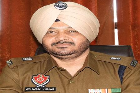 जालंधर में नशे में धुत युवकों ने एडसीपी अश्विनी कुमार पर किया जानलेवा हमला, एडीसीपी की आंख पर लगी गहरी चोट