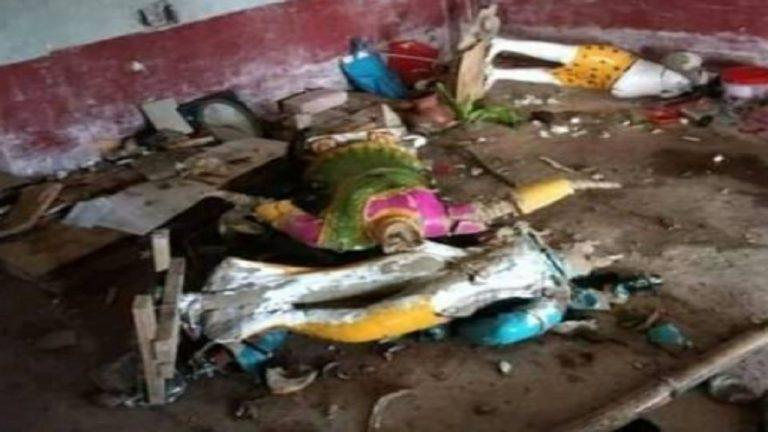 बांग्लादेश के इस्कॉन मंदिर में 200 कट्टरपंथी लोगों ने की तोड़फोड़, एक हिंदू श्रद्धालु की बेरहमी से हत्या